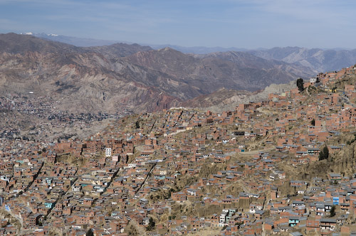 La plus haute du monde la ville est construite a flanc de montagne